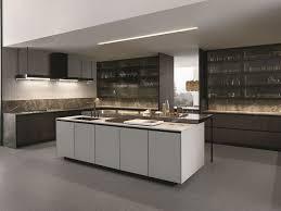 kitchen island integrated handles arthena varenna: lacquered kitchen with island with integrated handles arthena varenna by poliform