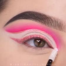 Pin de Kristina em Макияж [Vídeo] em 2020 | Ideias de maquiagem ...