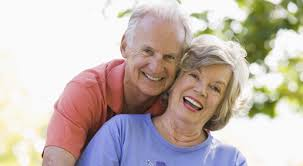 Resultado de imagem para idosos feliz fotos