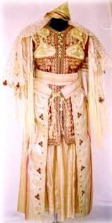 tenue traditionnelle tlemcen Images?q=tbn:ANd9GcRQmKHCCYylnR-VIPFhVDVRo8GKeWQDJ09zaTl4ywW06RKAhh0U