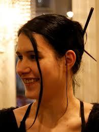 Pia Gerhardt (Lixxus) - chopstick use. Date: 21/10/07. Size: 481x640, 2195x2923. Full size: 2195x2923 - img_13017-mod
