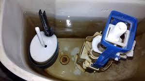 <b>Бачок унитаза</b> не держит воду - причины и устранение течи из ...