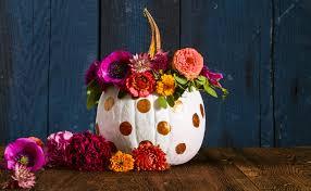 love halloween window decor:   pumpkin paint