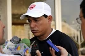 Los refuerzos saben a lo que vienen: Salvador Reyes - contento-salvador-reyes-con-el-equipo