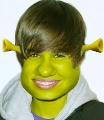 justin bieber jako shrek Antyfani Justina Biebera szaleją zobaczcie kolejne przerobione zdjęcia! - justin-bieber-jako-shrek
