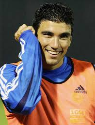 José Antonio Reyes ofrece a la selección española grandes opciones en la banda izquierda o como delantero. Este utrerano de 22 años derrocha creatividad y ... - reyes2