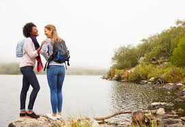 how to make and keep new friends greatist you might like 7 incredibly easy ways to make someone s day this week read