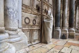 <b>In a</b> test <b>of</b> faith, Christians mark Good Friday <b>in</b> isolation | News ...
