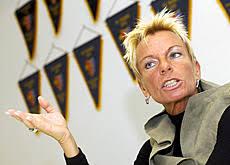 """Seit drei Monaten ist Gisela """"Gigi"""" Oeri Präsidentin des auch international erfolgreichen FC Basel. Sie will mit ihrem Klub den Meistertitel zurückholen und ... - keyimg20060725_6921017_2"""