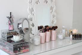 bedroom vanity table decorating ideas affordable cheap table decoration ideas models