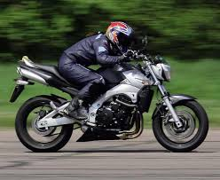 <b>SUZUKI GSR600</b> (2006-2010) Review | Speed, Specs & Prices | MCN