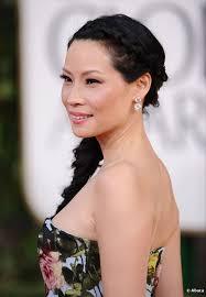 Lucy Liu en los Globos de Oro, el 13 de enero 2013. - 6095-lucy-liu-wore-a-great-hairstyle-to-the-592x0-1