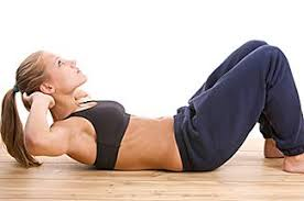 woman doing ab crunches
