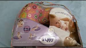 <b>Подушка для кормления</b> Boppy от <b>Chicco</b> - YouTube