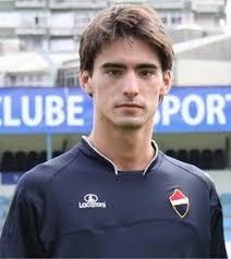 Eduardo Marqués de Castro Silva, (28-2-1992, Loura Portugal). Se trata de un jugador con unas cualidades magníficas. Es un mediocentro muy móvil, ... - 60594_ori_edu