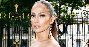 Jennifer Lopez <b>Pearl</b> Nails Are White Nail Polish <b>Trend</b>
