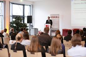 modul university l auml dt f uuml r die erfolgreiche gastvortragsreihe modul university laumldt fuumlr die erfolgreiche gastvortragsreihe latest trends and innovations in tourism and hospitality management internationale experten