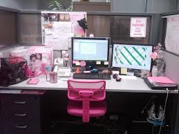 cute pink cubicle decor amazing ideas cubicle decorating ideas office cubicle