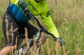 How to Choose the Best <b>MTB Handlebars</b>: A Buyer's Guide ...