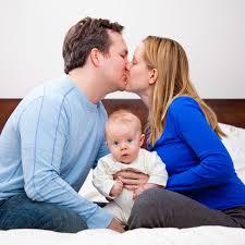 """Résultat de recherche d'images pour """"couple avec un bébé"""""""