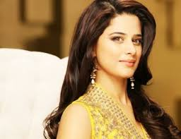 She is happily married to Atif Azhar Malik. Mehreen Raheel is one of the famous models, actor, managing director of her family Company R vision and host who ... - Mehreen-Raheel