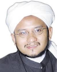 Beliau ialah al-Musnid Syeikh Muhammad Fuad b. Kamaludin al-Maliki al-Azhari Hafizahullah. - sh_fuad