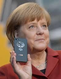 Europa hinkt am digitalen Markt nach Ansicht der deutschen Bundeskanzlerin Angela Merkel hinter den USA und den asiatischen Staaten hinterher. - merkel_angela_2013_cebit_foto_deutsche_messe_2
