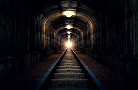 Image result for TREN IN TUNEL