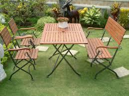 Tavolo Da Terrazzo In Legno : Foto di tavoli da giardino in legno per arredamento esterno