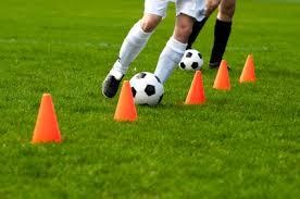 Znalezione obrazy dla zapytania trening piłki nożnej