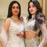 फिल्म धड़क की शुरुआत में जाह्नवी कपूर ने मां श्रीदेवी के लिए लिखा इमोशनल मैसेज