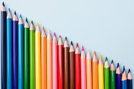 <b>Крупным</b> планом <b>набор цветных карандашей</b> Фото   Скачать
