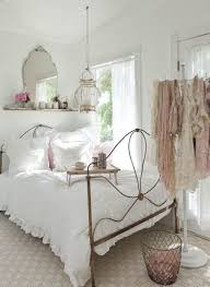 Shabby Chic Bedroom Lamps Modern Chic Bedroom Decor Beige Tufted Chair Butterfly Decorative