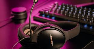 Bose turned its Quiet Comfort 35 II <b>headphones</b> into a <b>gaming headset</b>