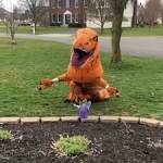 Ohio woman practices social distancing in <b>T</b>-<b>Rex</b> costume