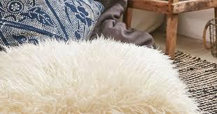 15 <b>Faux Fur</b> Home <b>Decor</b> Ideas To Make Your Space Feel Ultra ...