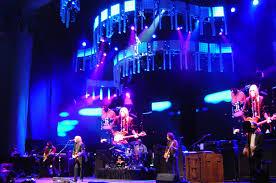 <b>Tom Petty</b> and the <b>Heartbreakers</b> - Wikipedia