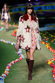 sgt tommy´s lonely hearts club band ivory star faux fur coat