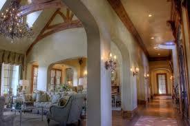 luxury vast bedroom ceiling