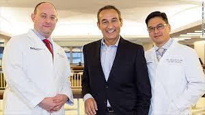 United CEO Oscar Munoz heads home after heart transplant