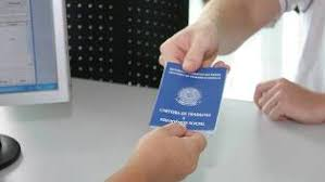 Image result for Brasil fecha 72,6 mil vagas de trabalho com carteira assinada em maio