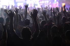 Resultado de imagem para imagens de bagunça nos cultos evangélicos