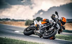 A New Era <b>for KTM</b>. The <b>790</b> Twin <b>Duke</b>. - Procycles