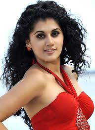 What is the height of Taapsee Pannu?