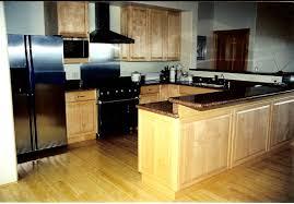 maple cabinet kitchen ideas