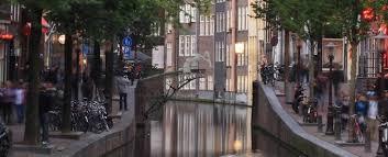 Autonomous <b>Robot</b> Arms Are Going to 3D-Print <b>a</b> Bridge in Amsterdam