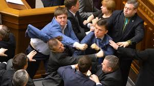 Resultado de imagen para gente peleando