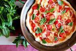 Калорийность пиццы сыром и помидорами