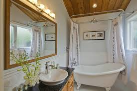 clawfoot tub in small bathroom wonderfull clawfoot tub in small bathroom ideas