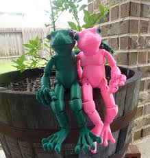 3D Printed Froggy: the 3D printed <b>ball</b>-<b>jointed</b> frog <b>doll</b> by Louise ...